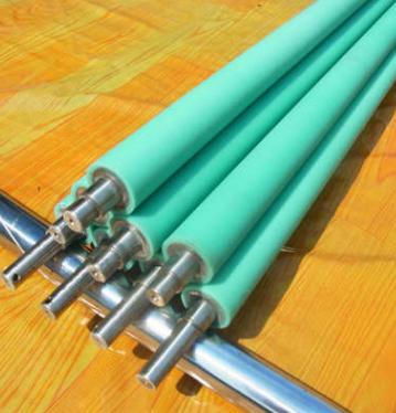 东莞雄浩厂家专业生产粘尘硅胶辊 粘尘硅胶轴 粘尘硅胶滚筒粘性强