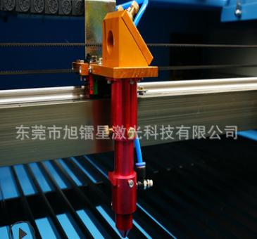 货源产地!二氧化碳激光切割机 水口塑料板材皮革极光雕刻切割机