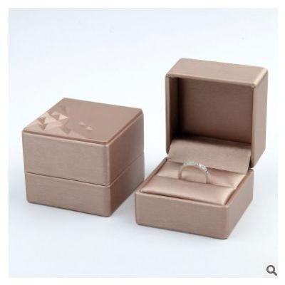 新款PU皮立体图案首饰盒 饰品盒批发 项链对戒珠宝盒厂家批发