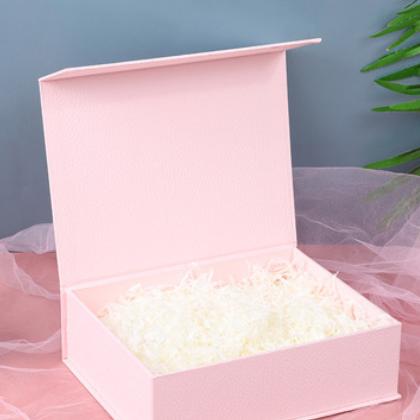 现代简约款粉色翻盖式礼品盒 白色碎纸丝填充易碎品礼物包装盒